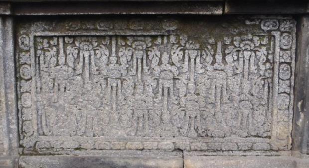 Salah satu relief di candi yang masih terlihat.